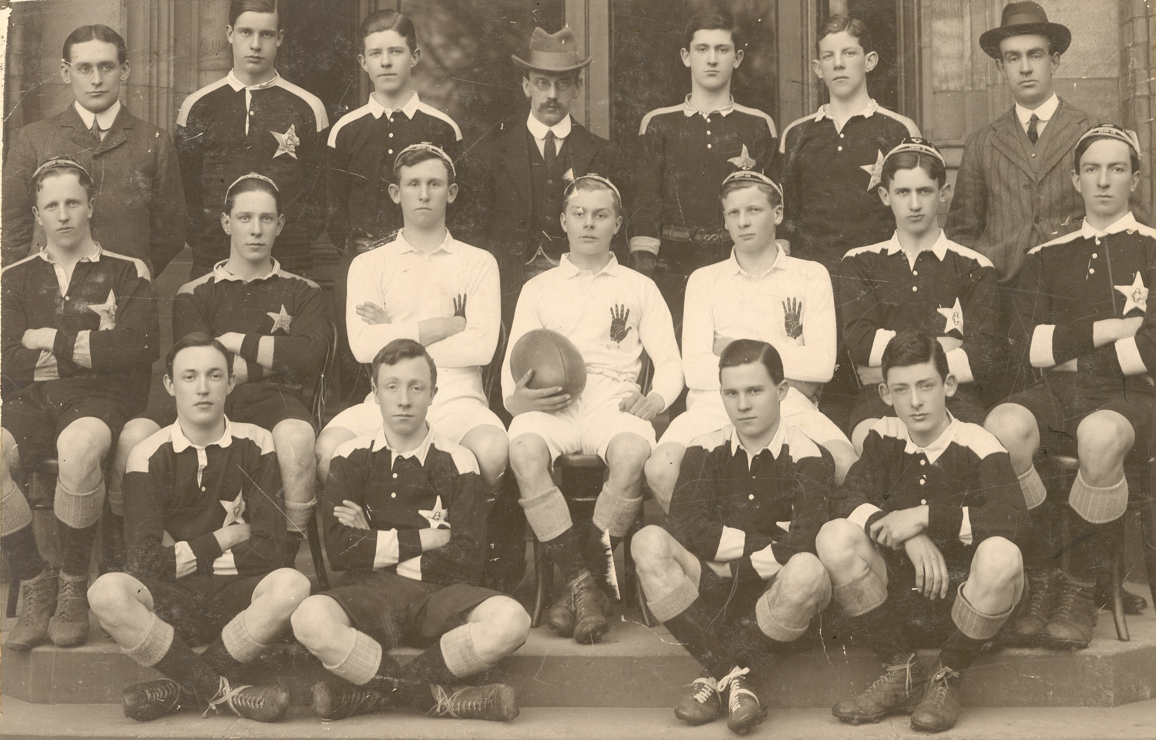 Robert played in the 1914 1st Rugby XV