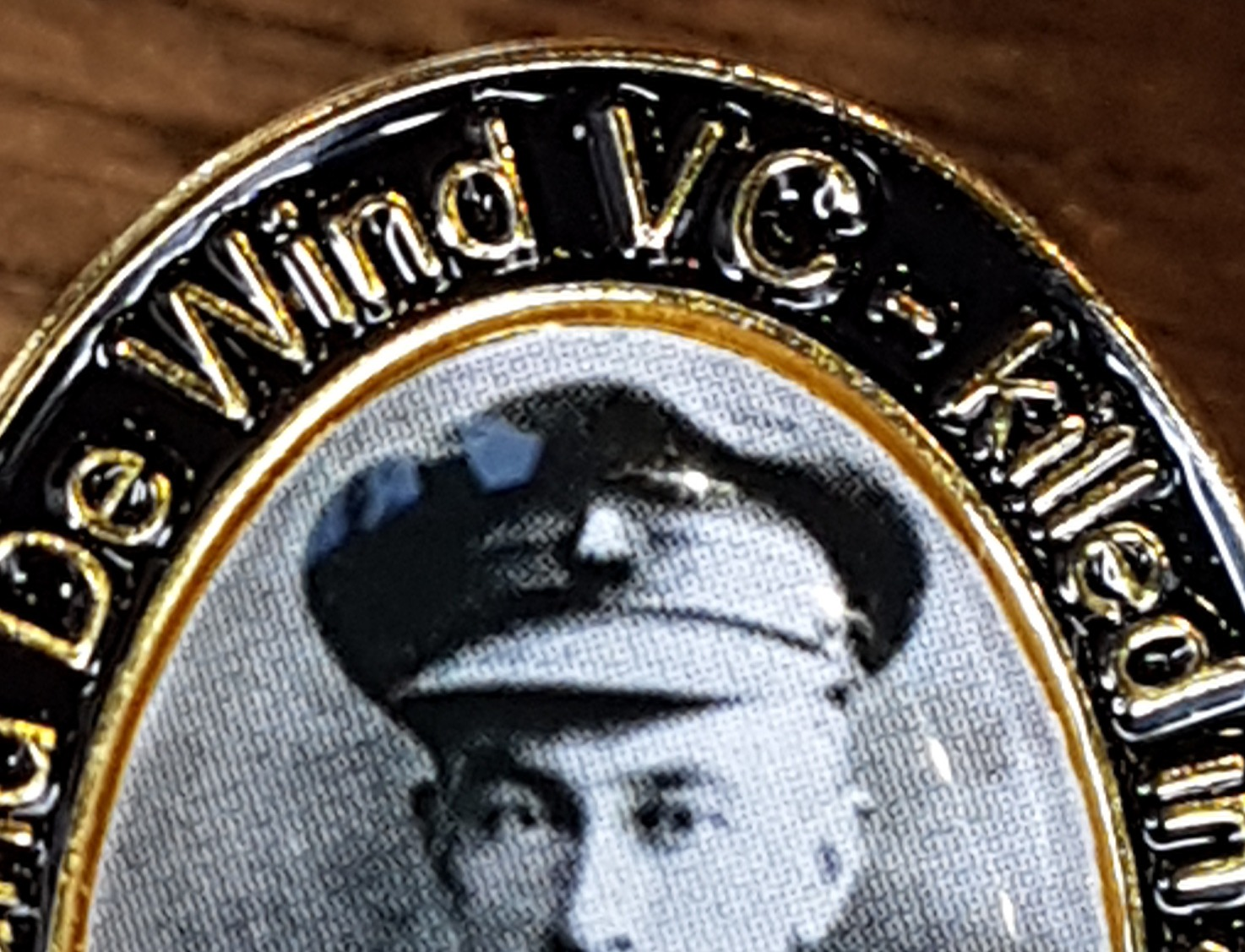 De Wind family descendants commemorate the life of former OC Edmund De Wind VC